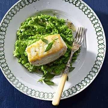 pescada com puré de ervilhas